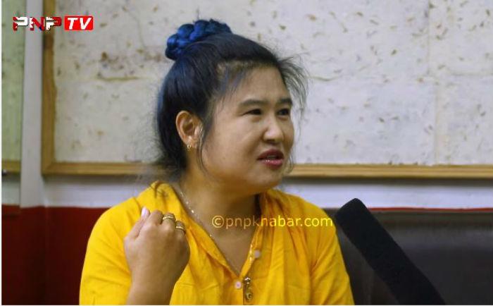 कोरियन भाउजुको नेपाली केटासँग यस्तो गहिरो प्रेम, भन्छिन् 'नेपालीहरु अल्छि छ, छिट्टै रिसाउछ' [हेर्नुहोस् भिडियो]