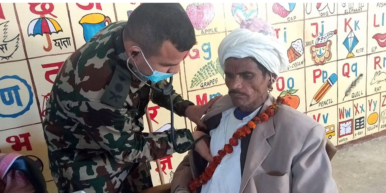 नेपाली सेनाद्वारा निःशुल्क स्वास्थ्य शिविर सञ्चालन