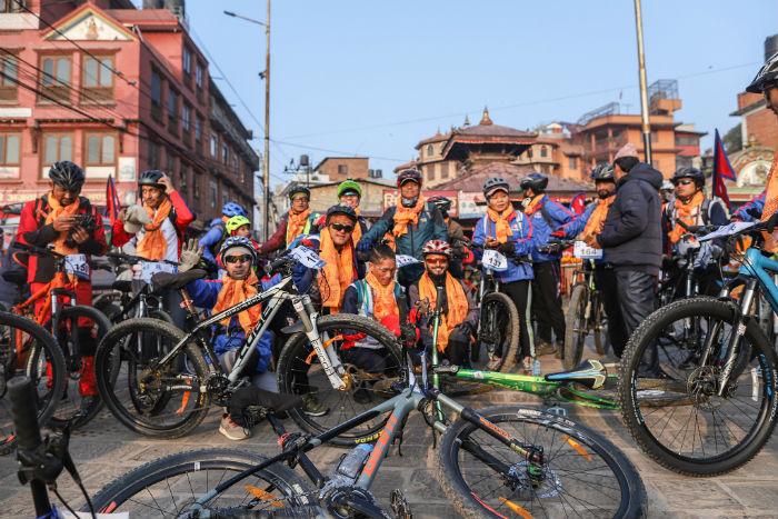 'राइड टु सिन्धुलीगढी साइकल यात्रा' पशुपतिनाथबाट सुरु, १५० यात्रीलाई उपप्रधानमन्त्री पोखरेलले गरे विदाइ