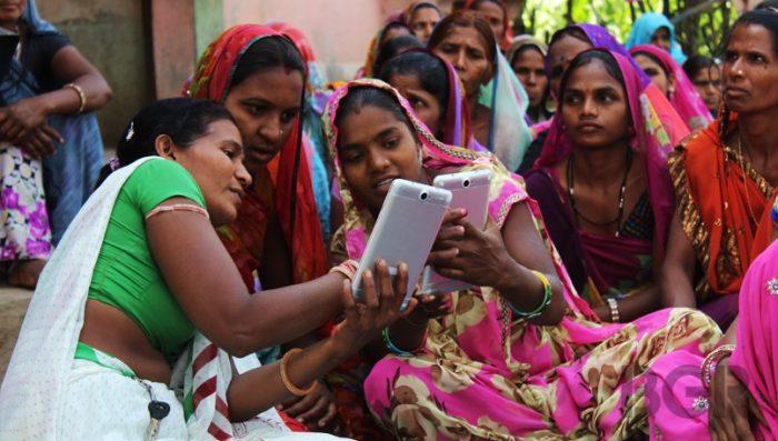 भारतमा किन मोबाइल विश्वकै सस्तो ?